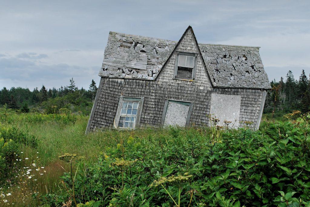 slanted house depicting pusher syndrome